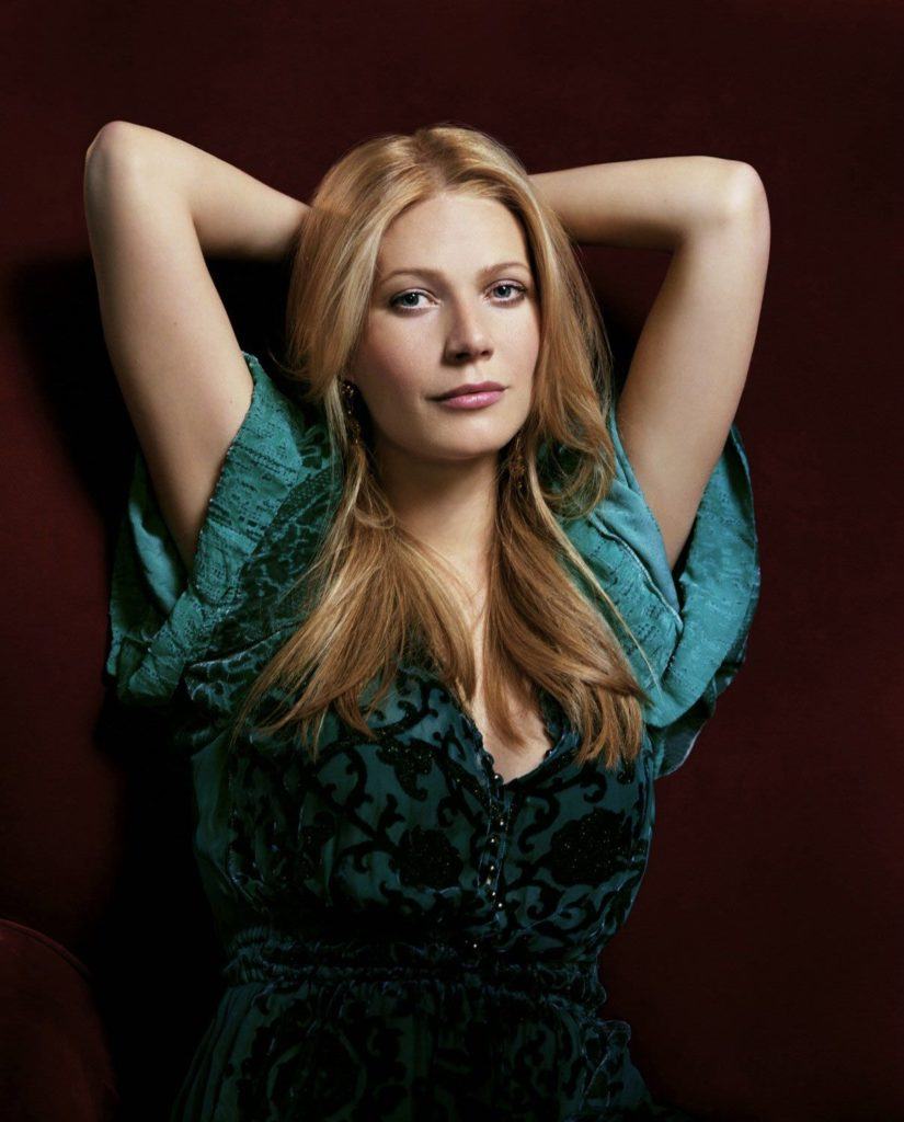Gwyneth Paltrow Cleavage Pictures