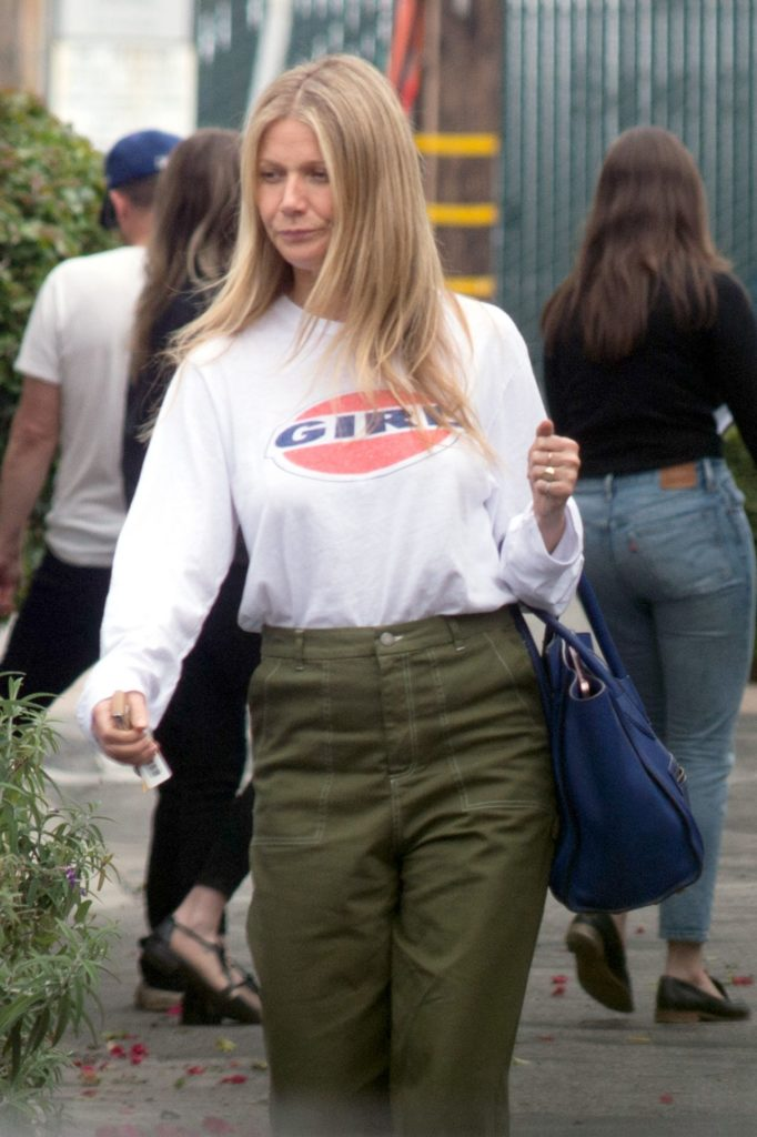 Gwyneth Paltrow Long Hair Pictures