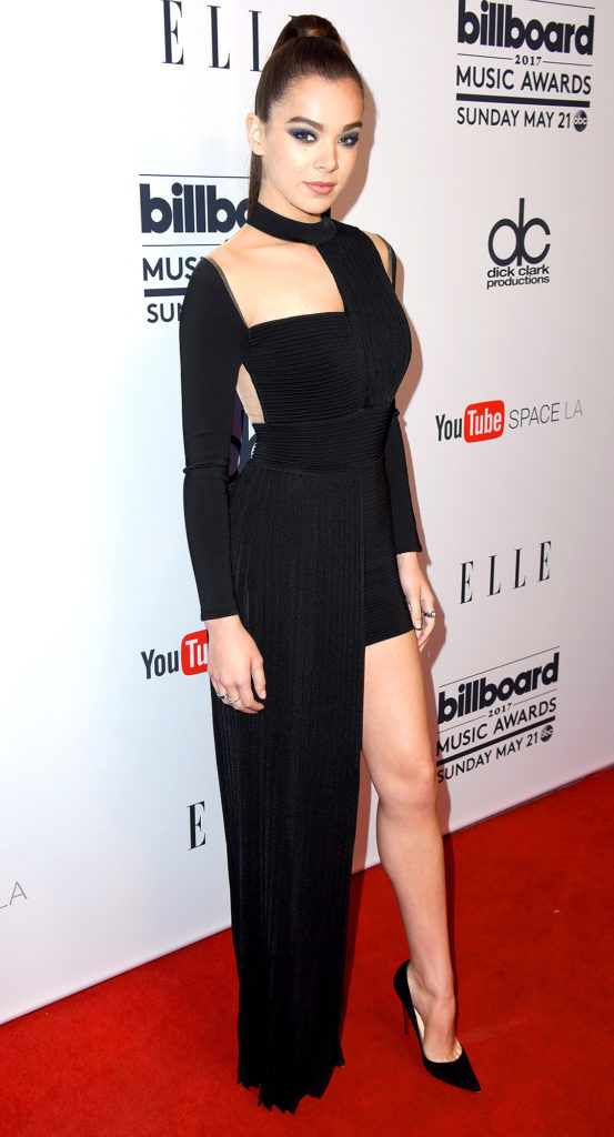 Hailee Steinfeld Feet Pictures