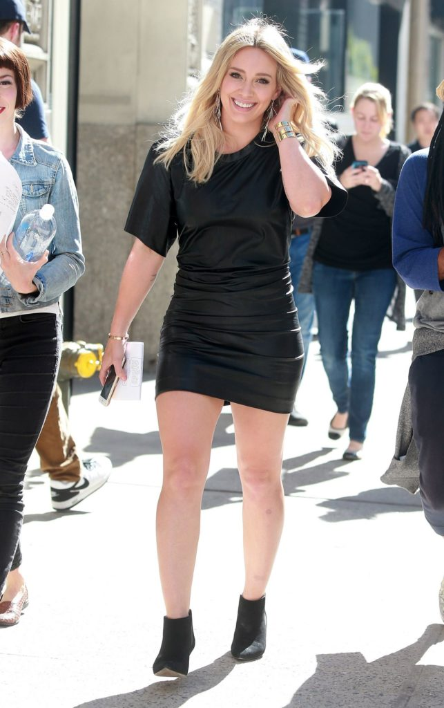 Hilary Duff Thighs Pictures