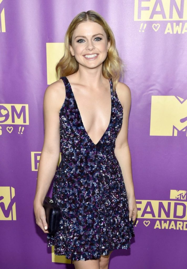 Rose McIver Boobs Pictures