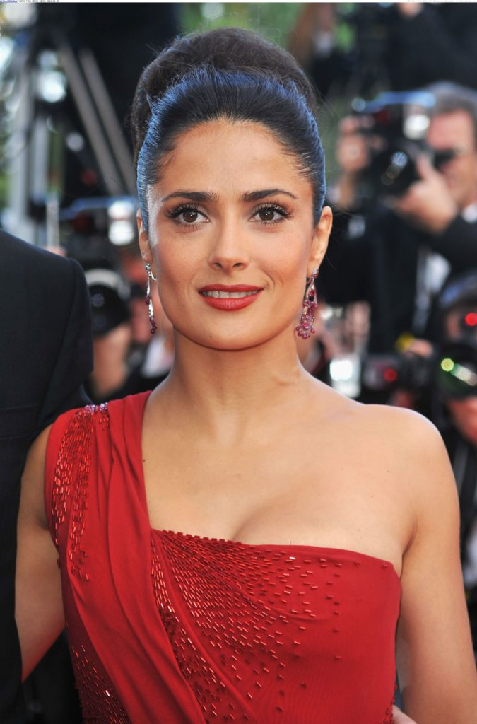 Salma Hayek Smileing Wallpapers