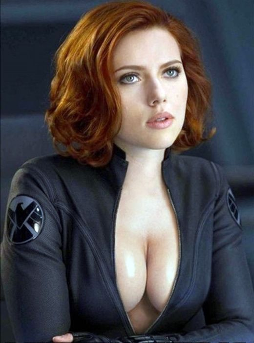 Scarlett Johansson Without Bra Pictures