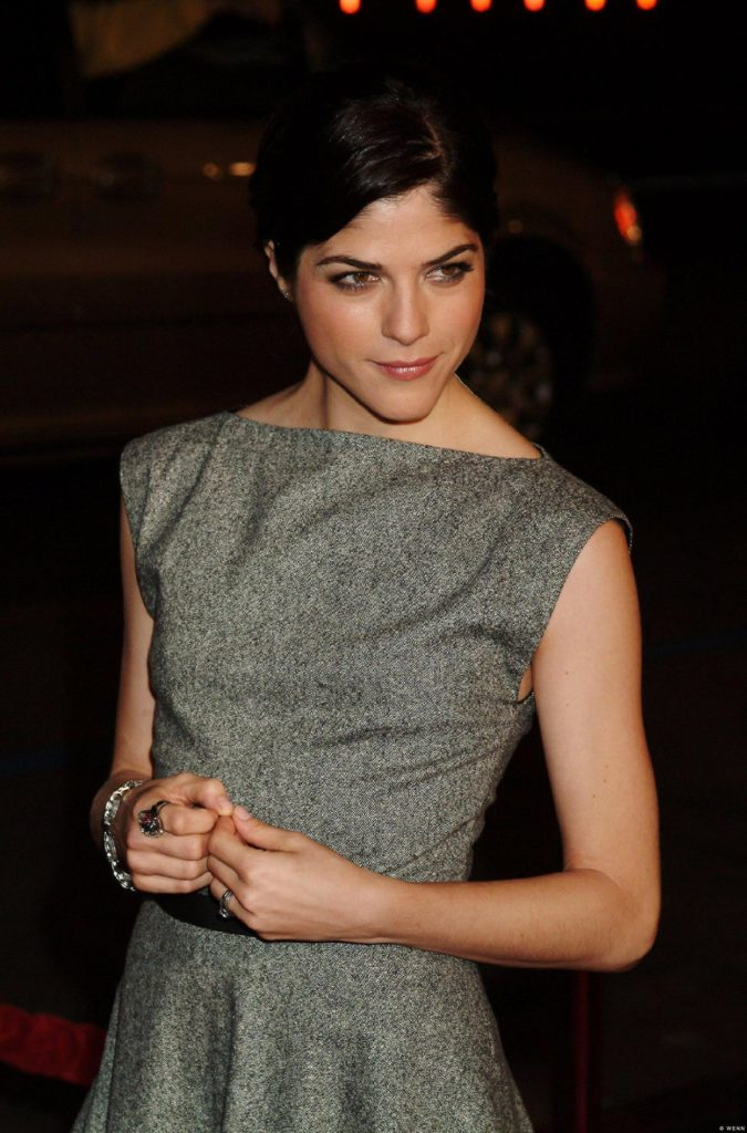 Selma Blair Working Out Wallpapers