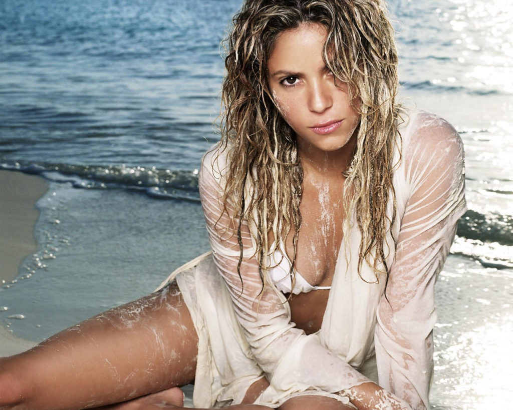 Shakira Shorts Pictures