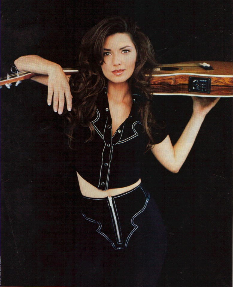 Shania Twain Cleavage Pictures