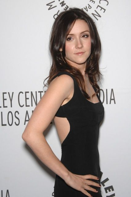 Shannon Woodward Hot Pictures