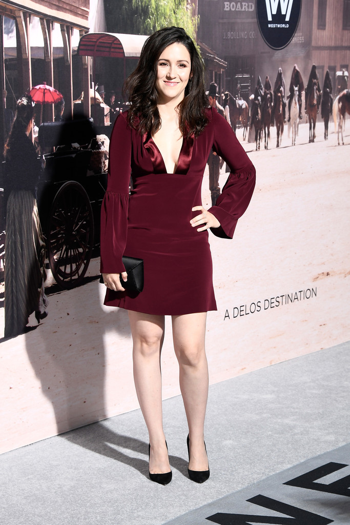 Shannon Woodward Shorts Pictures