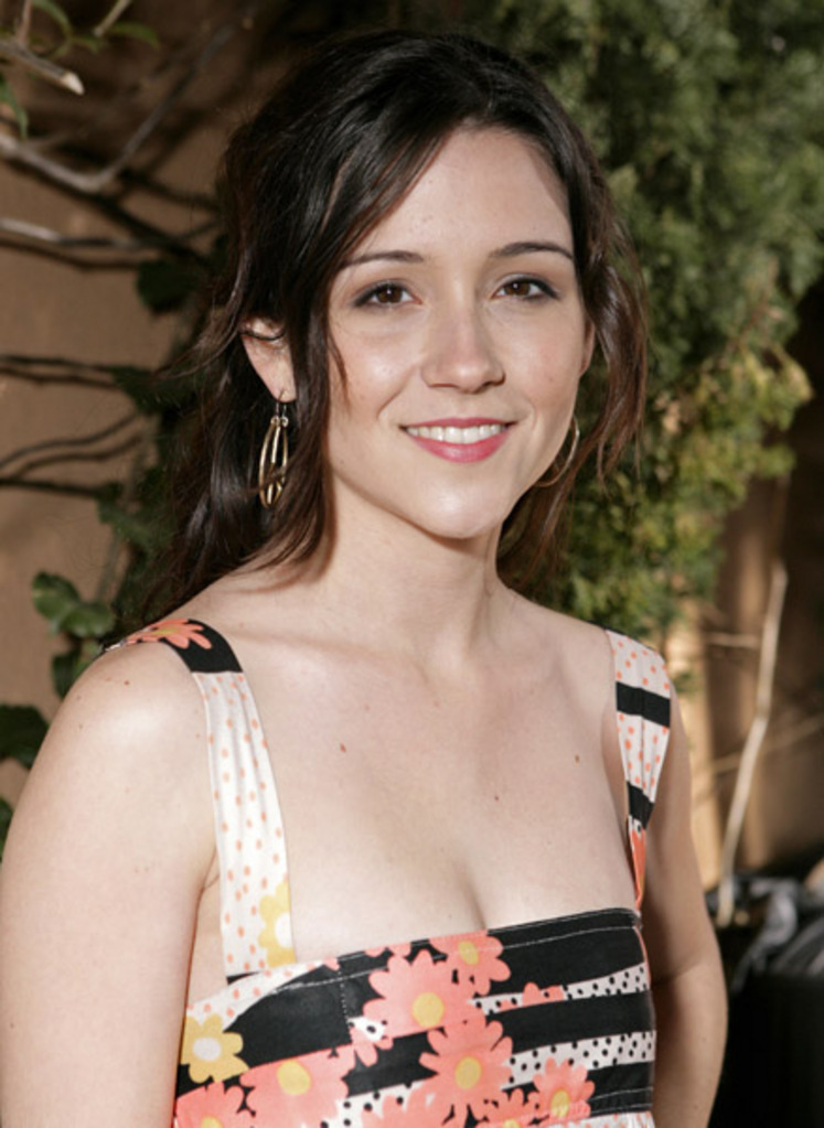Shannon Woodward Topless Wallpapers