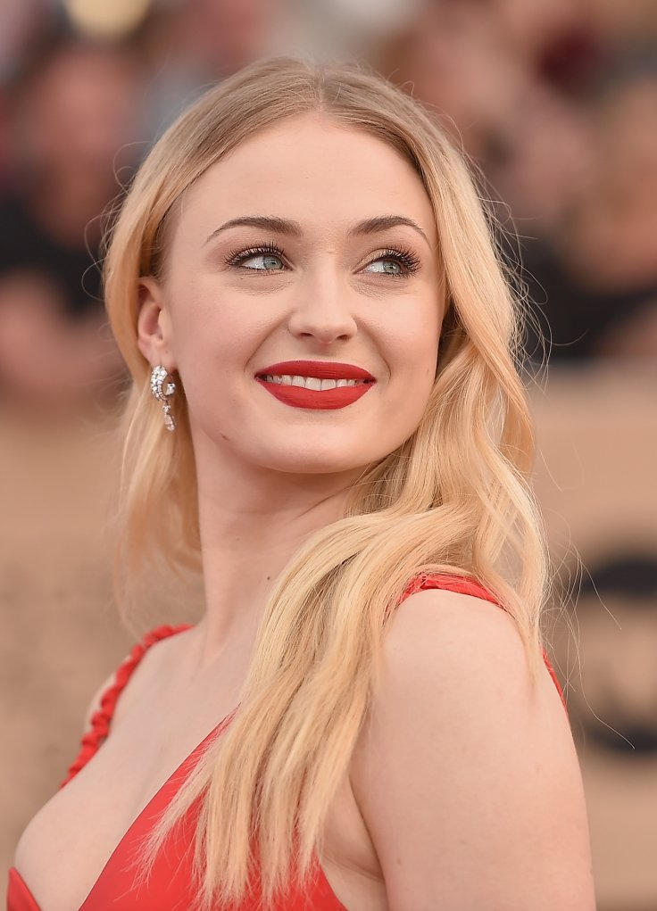 Sophie Turner Boobs Pictures