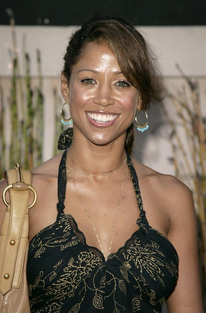 Stacey Dash Bra Photos