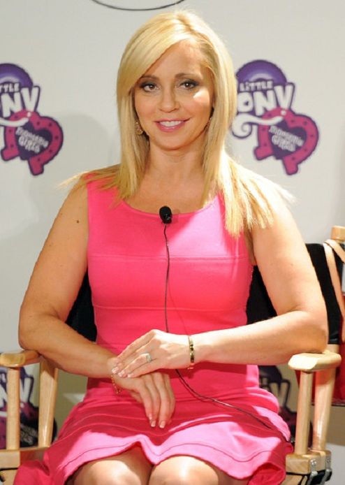 Tara Strong Shorts Wallpapers
