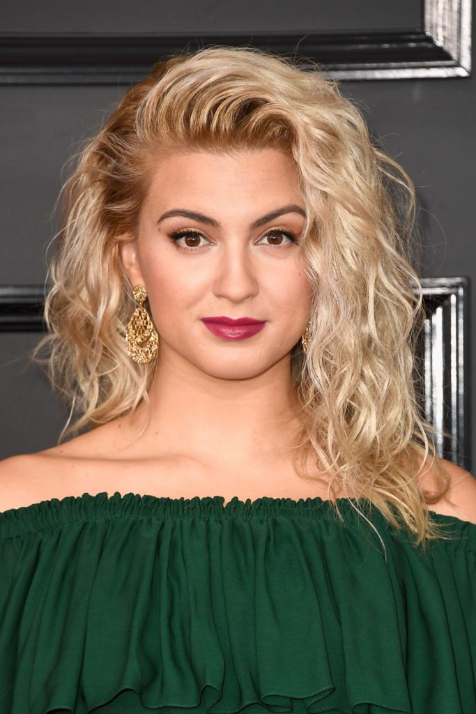 Tori Kelly Boobs Wallpapers