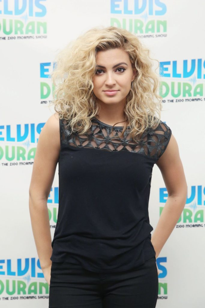 Tori Kelly Hot Images