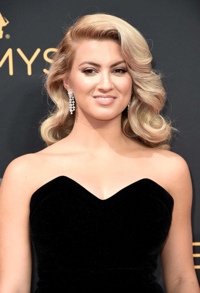 Tori Kelly Muscles Images