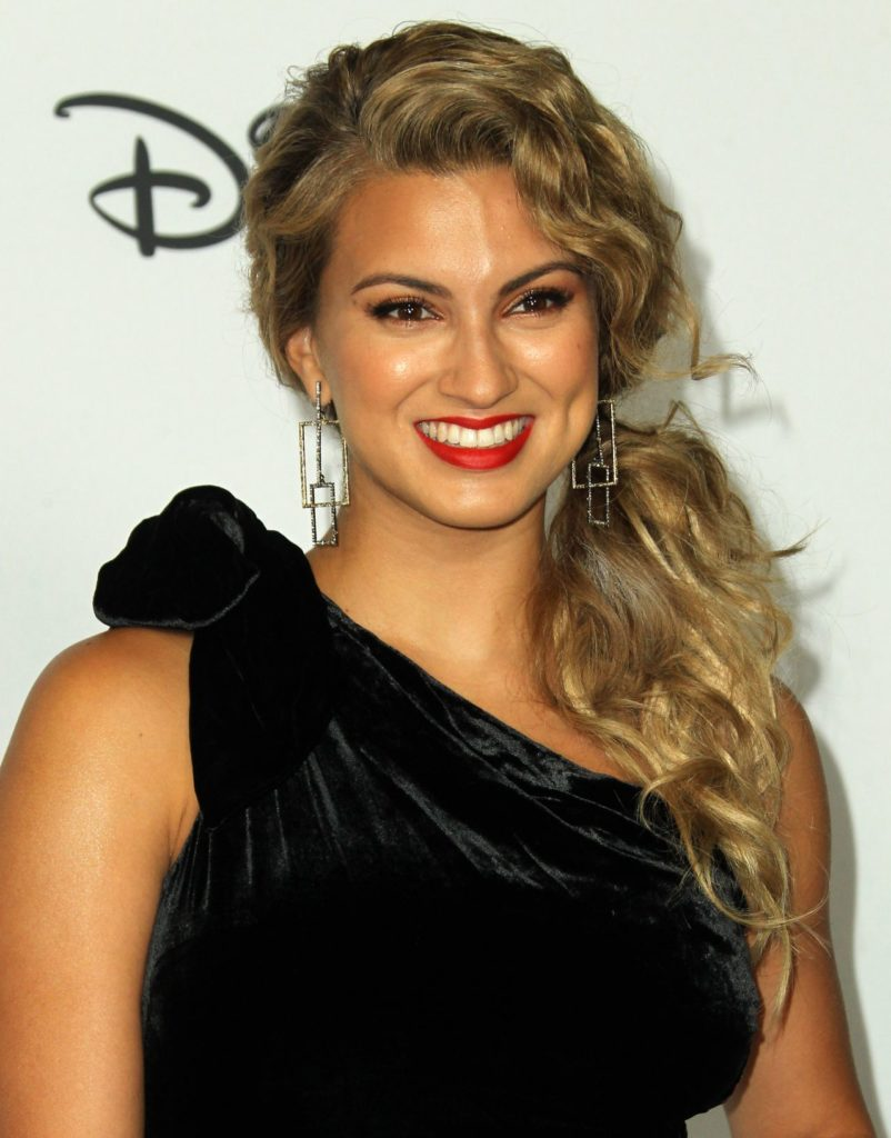 Tori Kelly Oops Moment Wallpapers