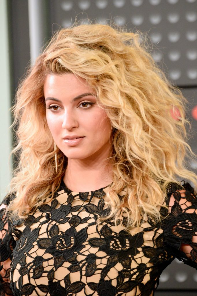 Tori Kelly Sexy Wallpapers