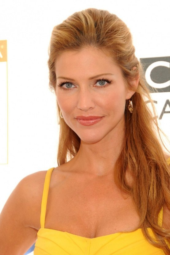 Tricia Helfer Bra Wallpapers