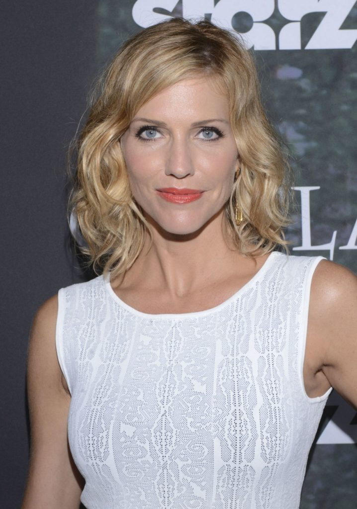 Tricia Helfer Short Hair Wallpapers