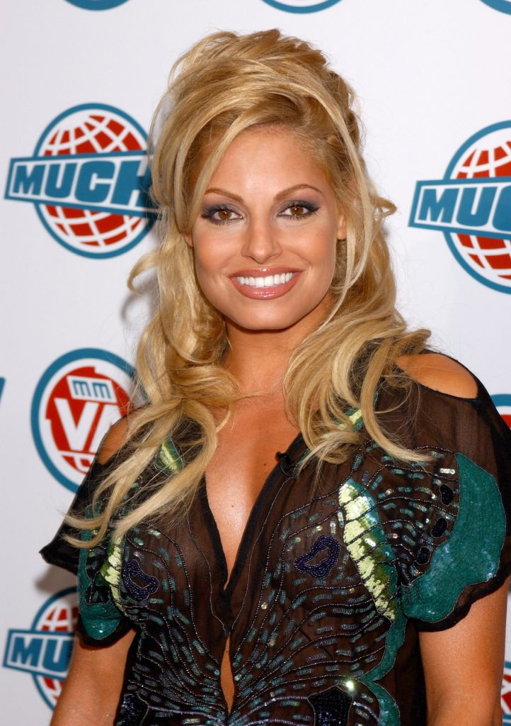 Trish Stratus Boobs Pics
