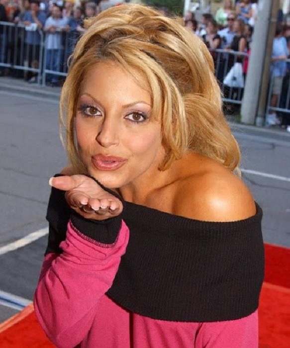 Trish Stratus Makeup Pictures