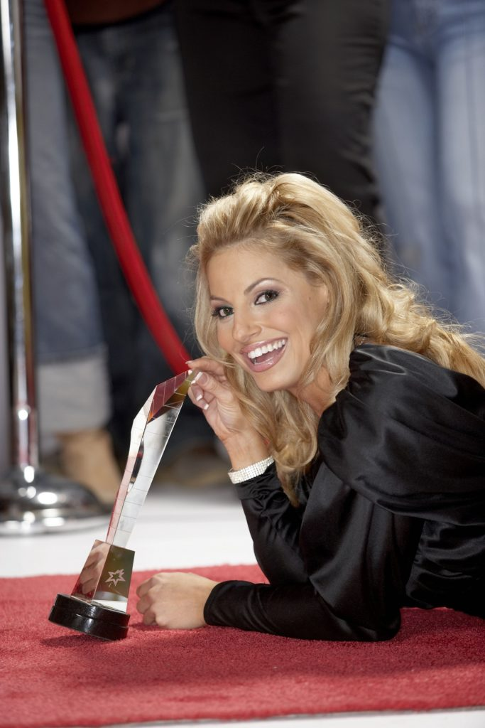 Trish Stratus Smileing Pictures