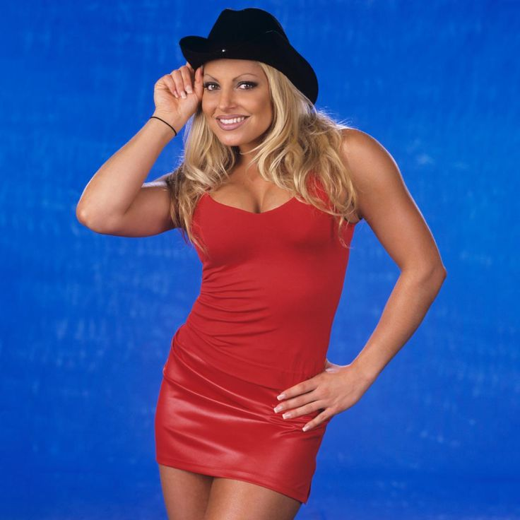 Trish Stratus Swimsuit Photos