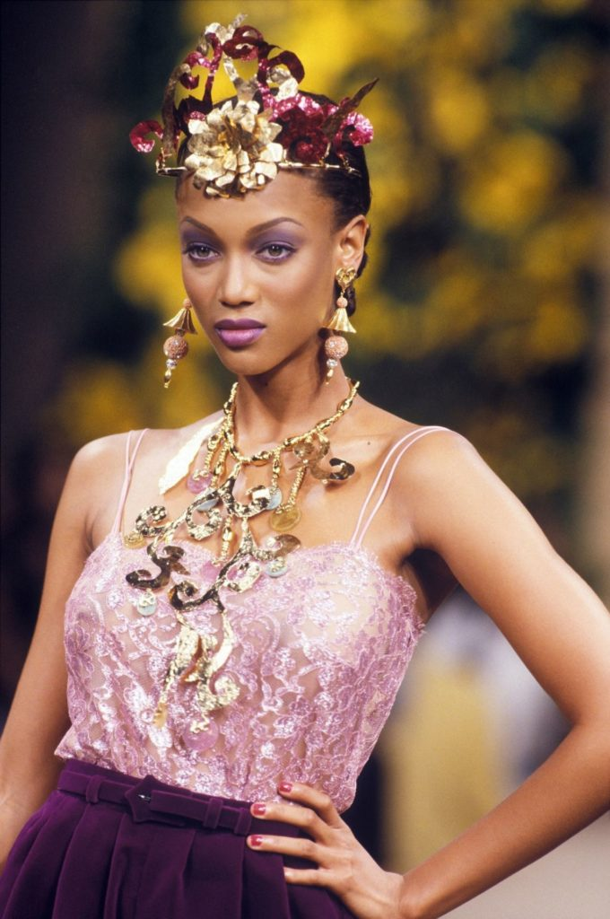Tyra Banks Bra Pictures
