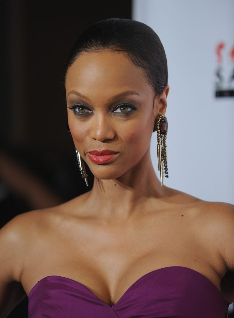 Tyra Banks Braless Pictures