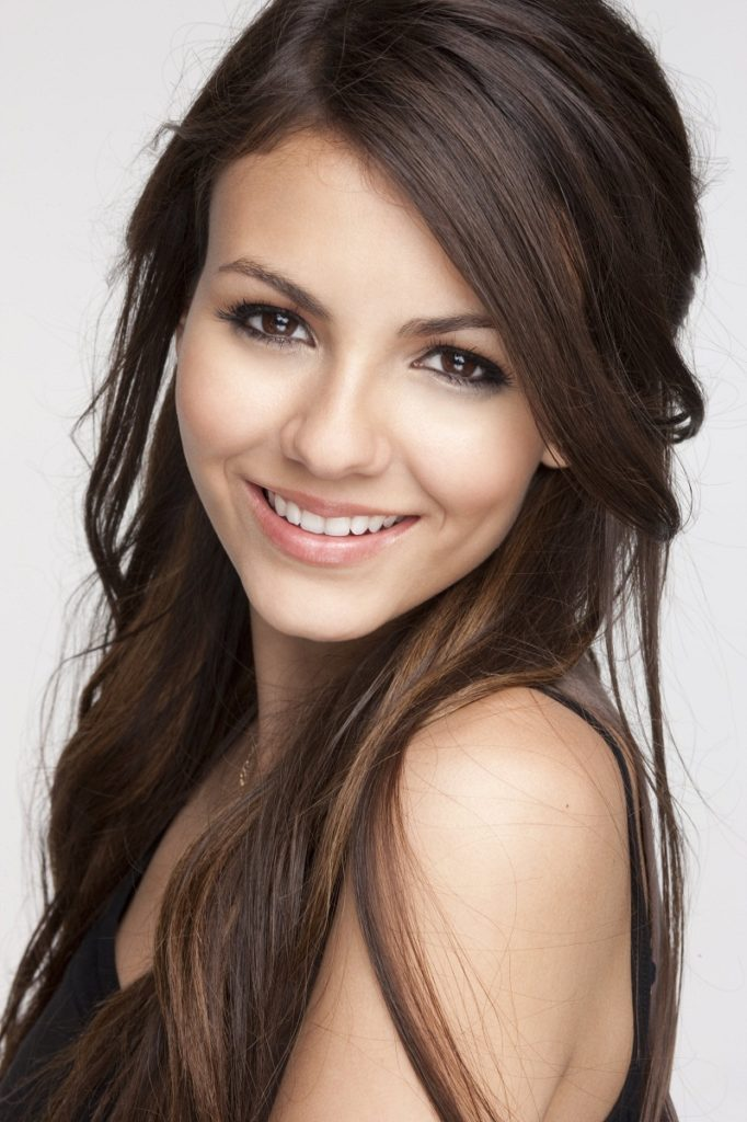 Victoria Justice Bathing Suit Pictures
