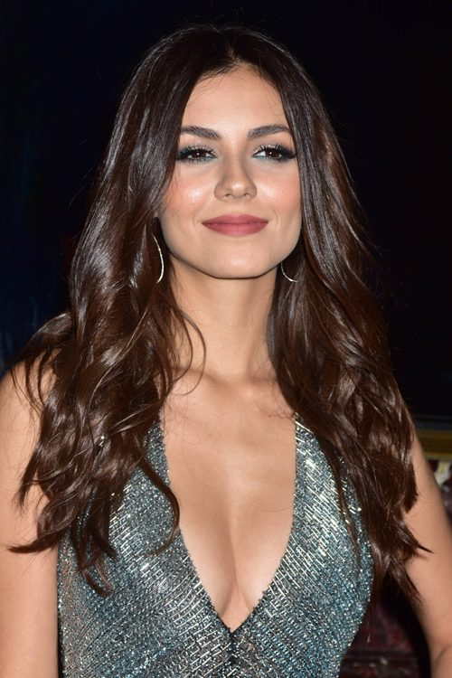 Victoria Justice Braless Images