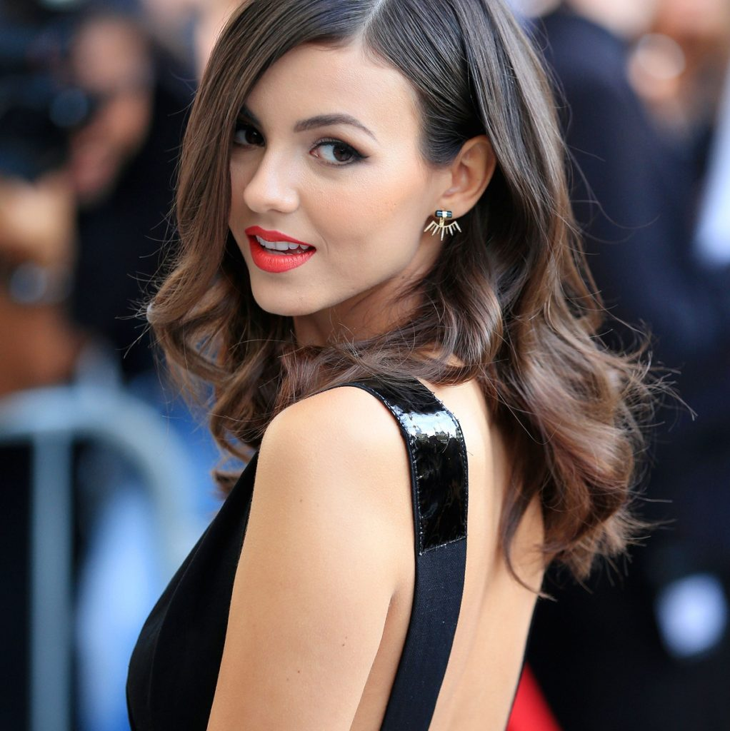Victoria Justice Cute Wallpapers