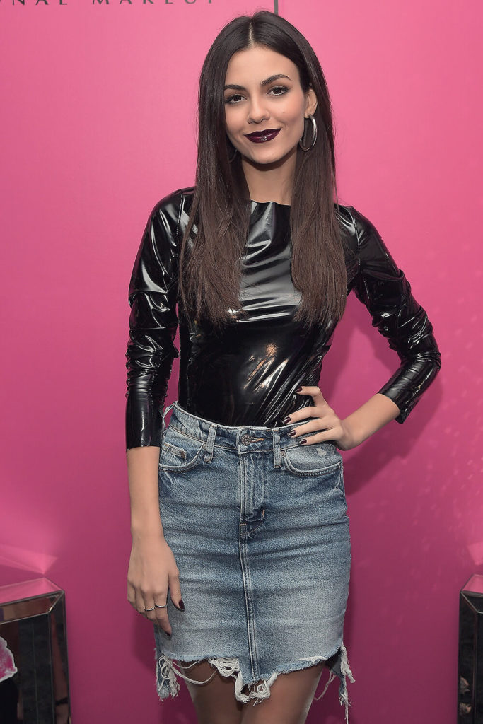 Victoria Justice Oops Moment Wallpapers