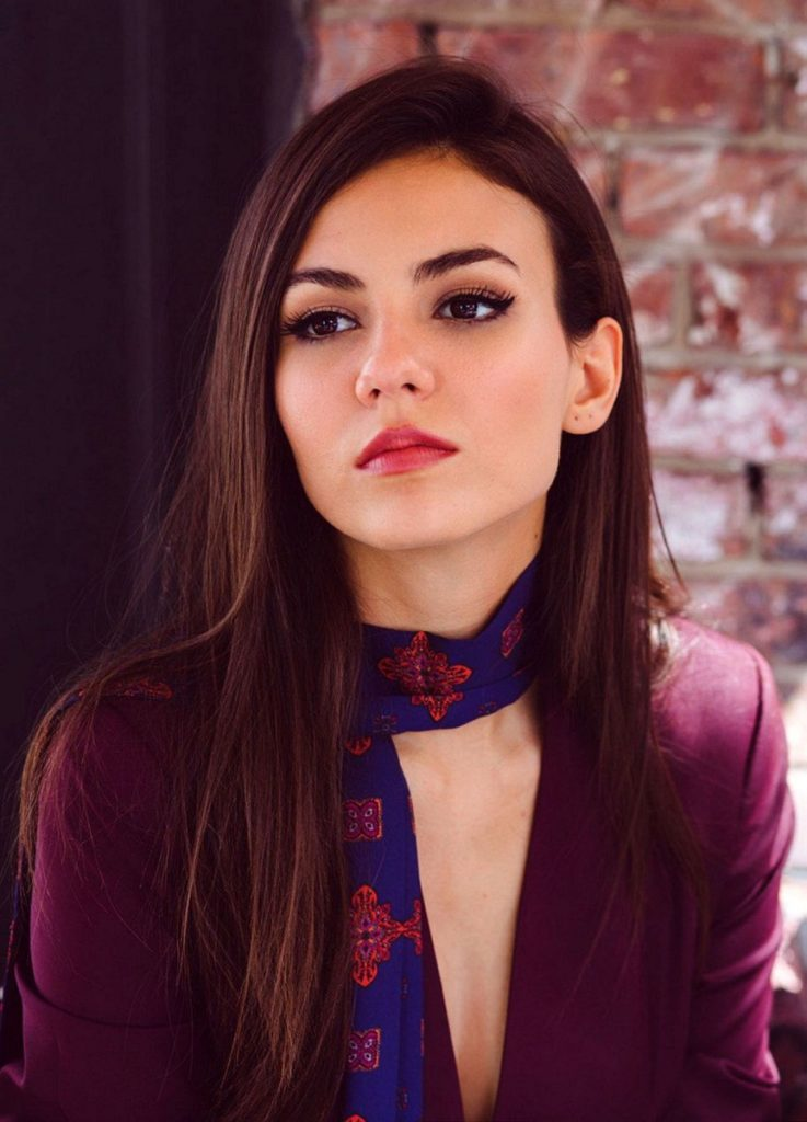 Victoria Justice Short Hair Images
