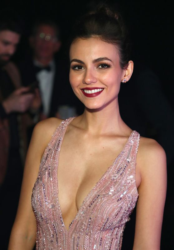 Victoria Justice Smile Face Wallpapers