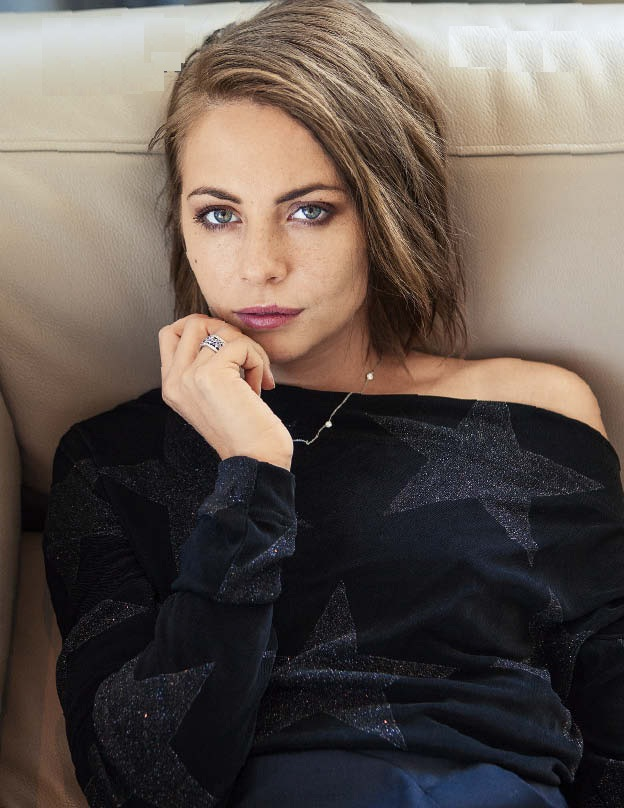 Willa Holland Oops Moment Photos