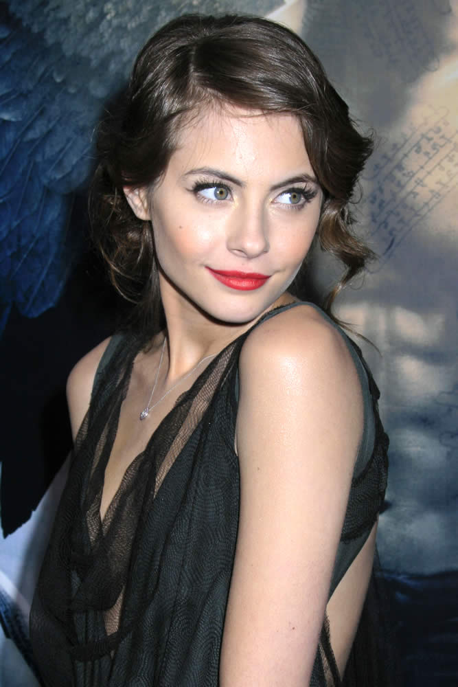 Willa Holland Smileing Images