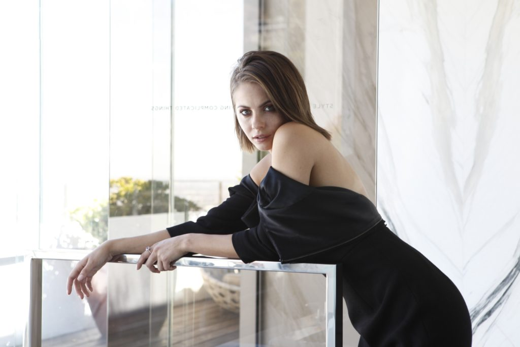 Willa Holland Thighs Images