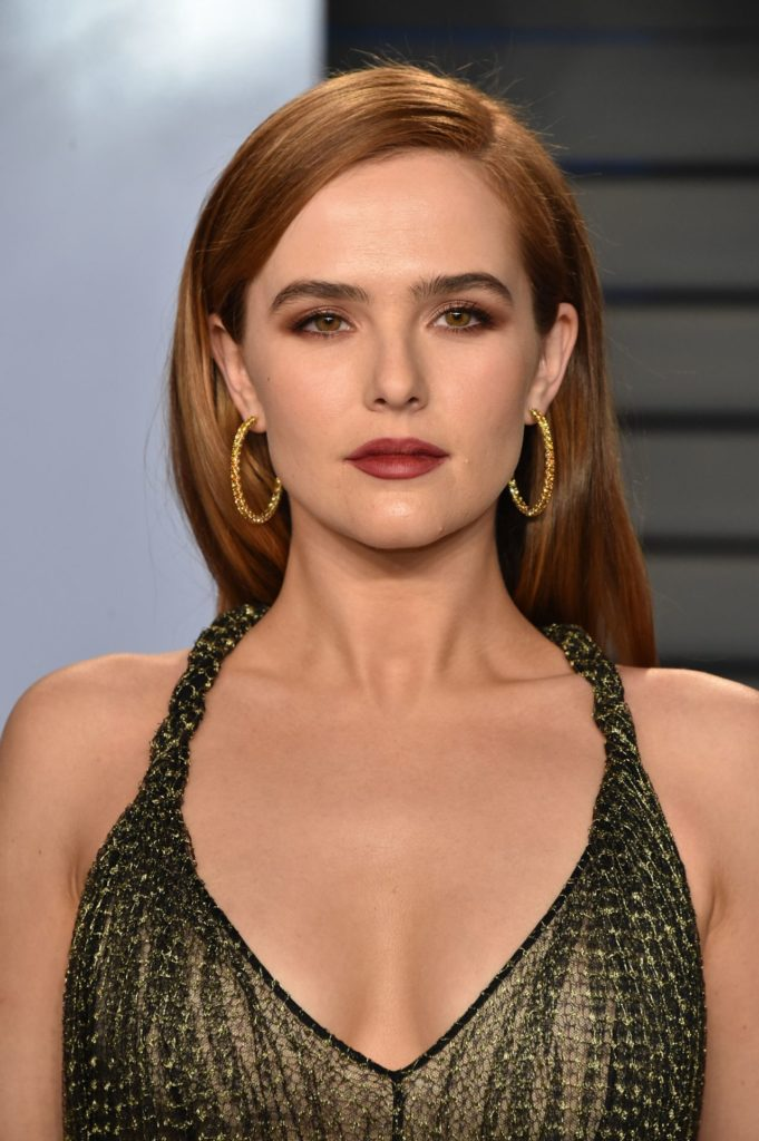 Zoey Deutch Boobs Pictures