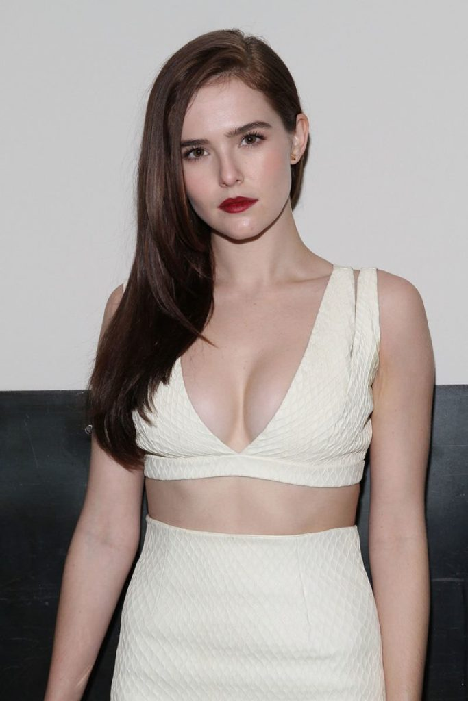 Zoey Deutch Bra Panty Photos
