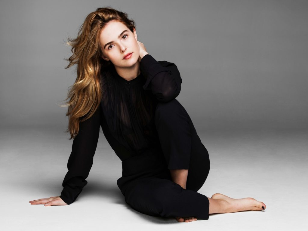 Zoey Deutch Leggings Images