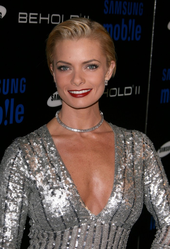 Jaime Pressly Boobs Pictures
