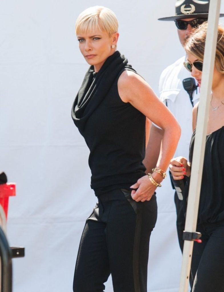 Jaime Pressly Leggings Images