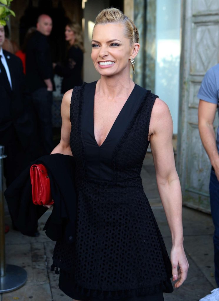 Jaime Pressly Sexy Pictures