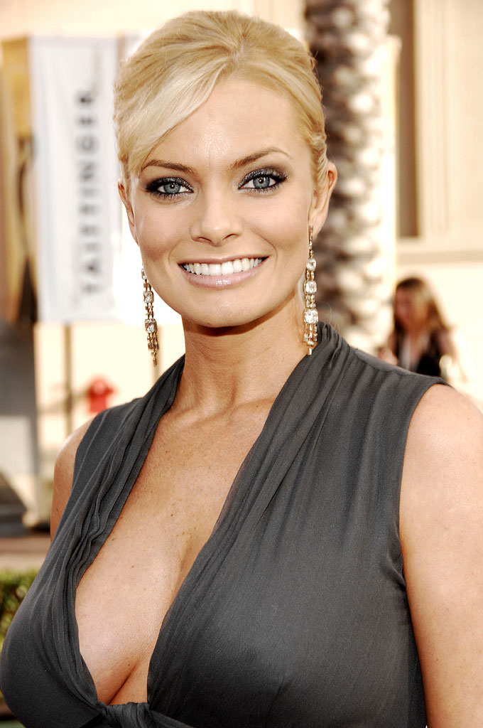Jaime Pressly Topless Photos