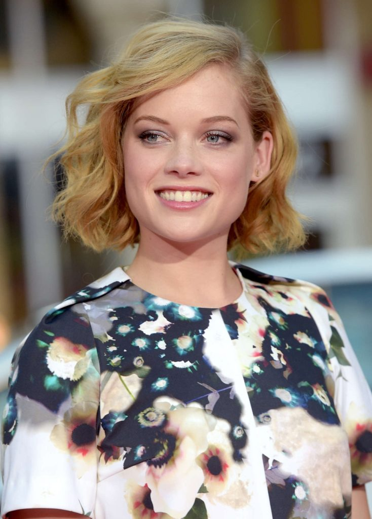 Jane Levy Bra Photos