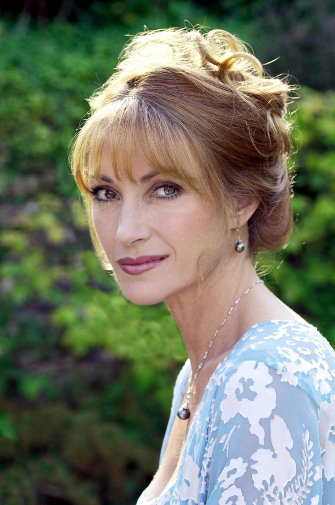 Jane Seymour Body Photos