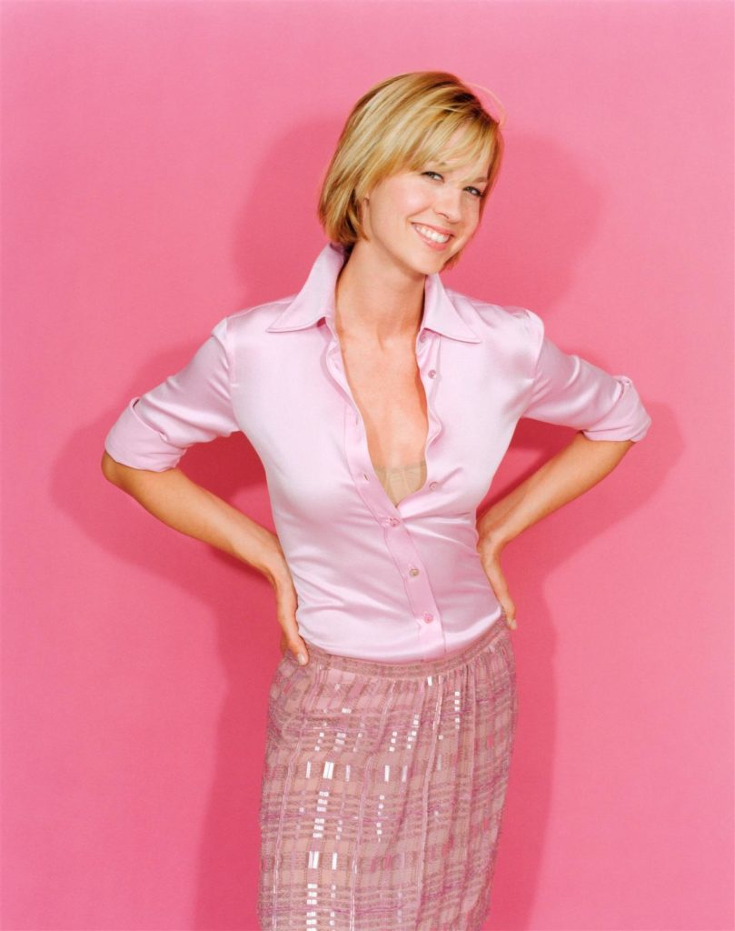 Jenna Elfman Leggings Pics