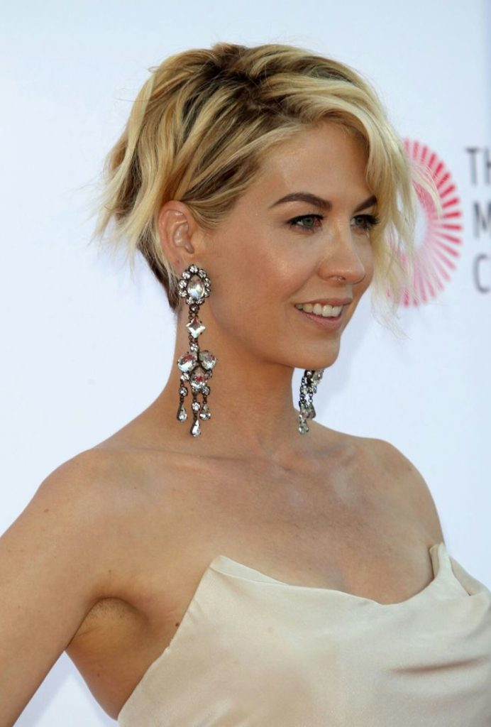 Jenna Elfman Smile Face Photos