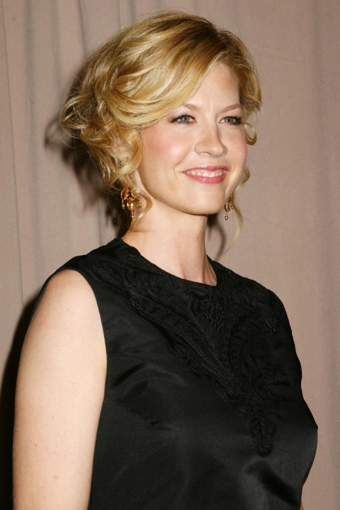 Jenna Elfman Tattoos Pictures